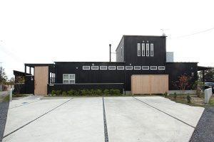 東大野G邸  外観 駐車スペース