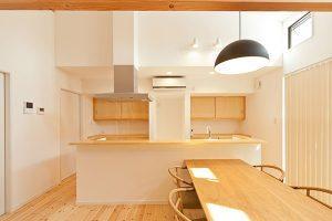 見和M邸 薪ストーブの家 キッチン 茨城県水戸市宇津建築設計事務所実績例